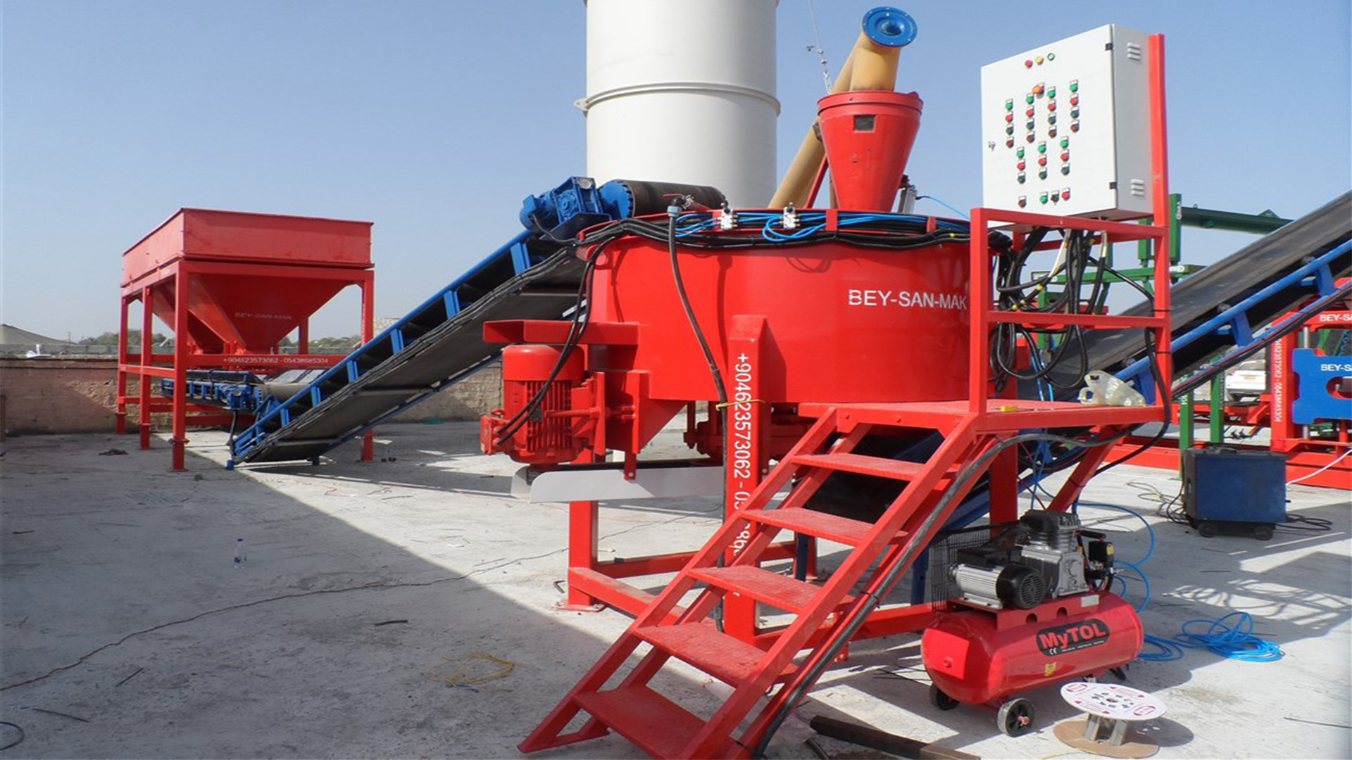Automatic-Hollow-Block-Paving-Block-Making-Machine.jpg