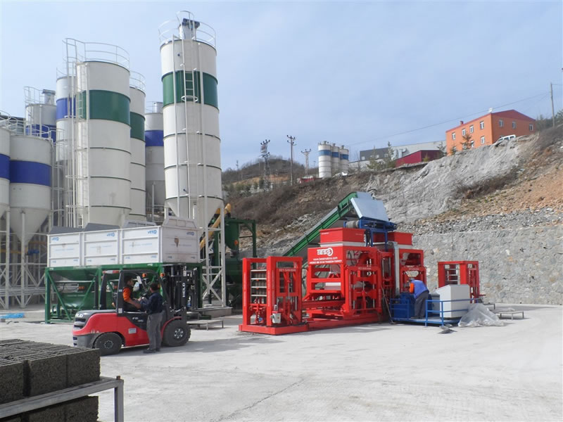 cement_brick_making_machine_plant_view.jpg