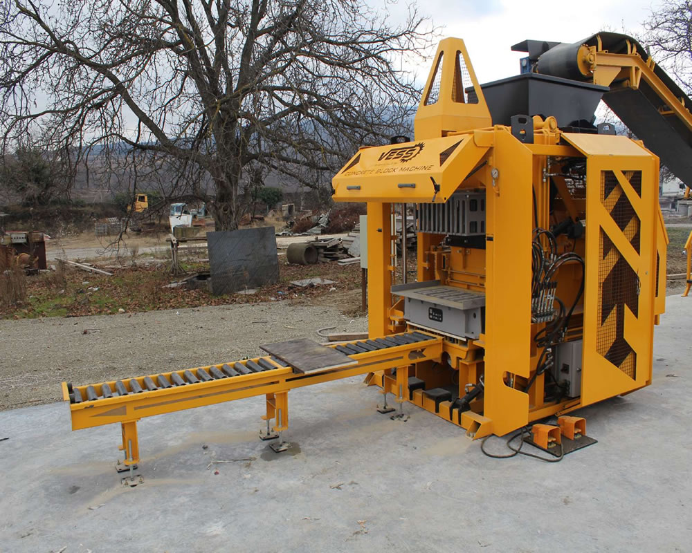 concrete_block_machine_3.jpg