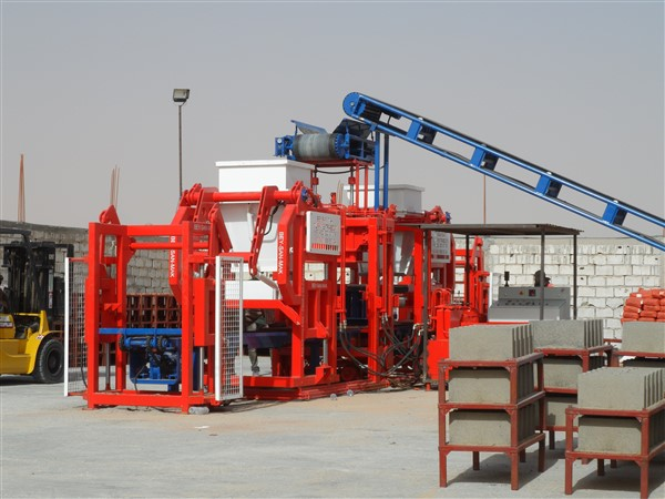 concrete_block_machine_side_view.jpg