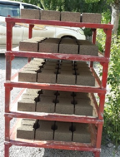 paver_blocks_on_pallets.jpg