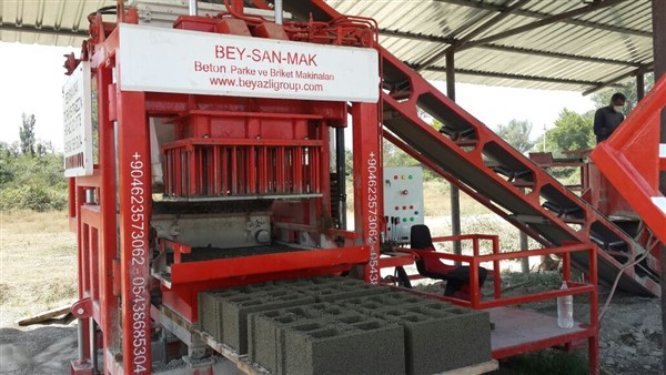 semi automatic brick making machine output